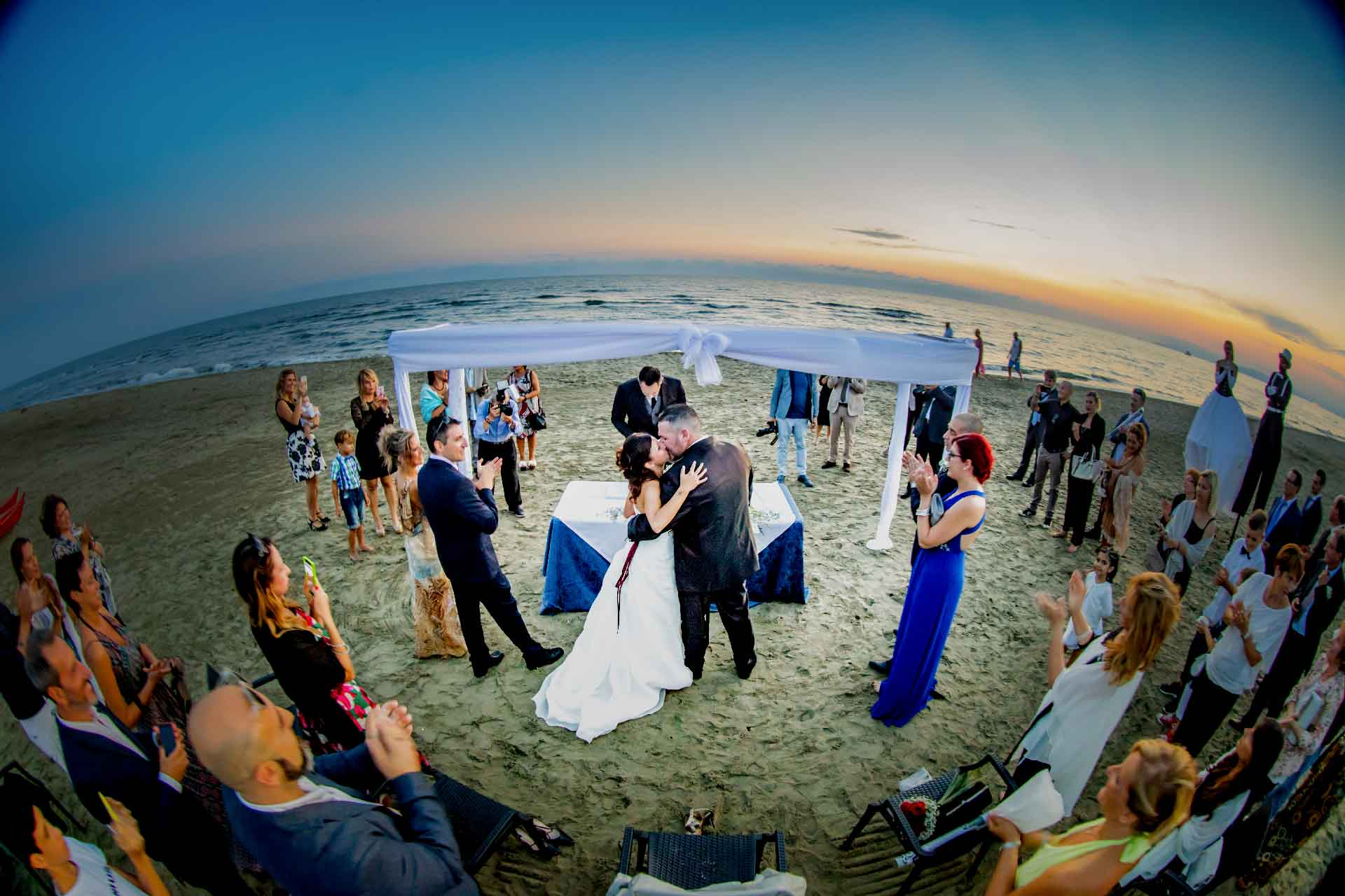 Matrimonio Spiaggia Versilia : Bussola club versilia wedding matrimoni in riva al mare